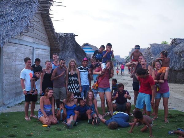 Group photo with San Blas Island local cheeky kids