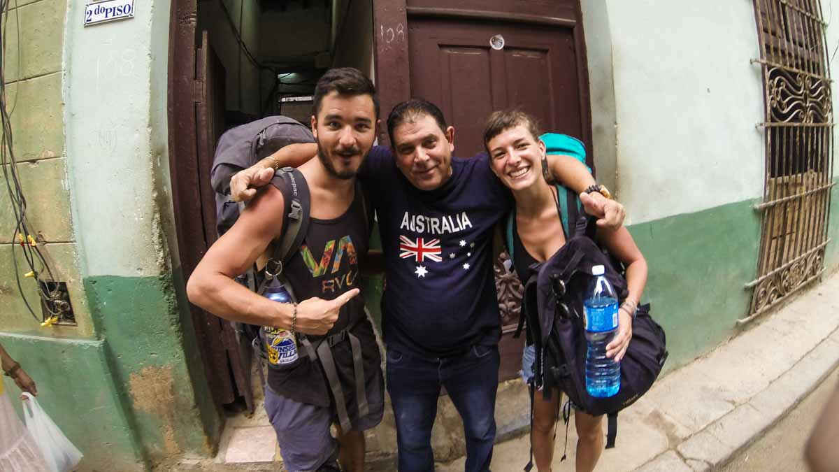 Making friends while backpacking in Cuba