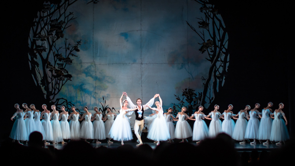 Best things to do in Odessa Ukraine go to the Ballet