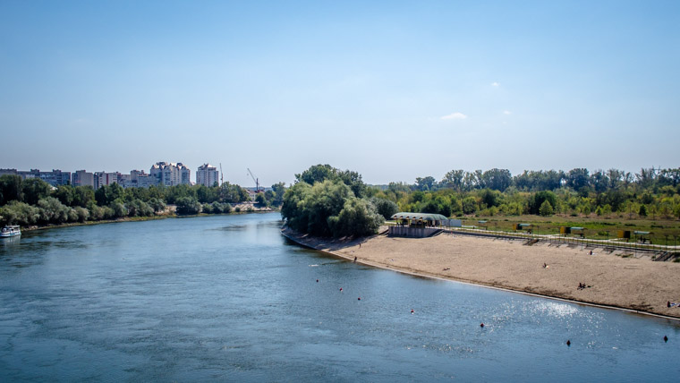 Swiming in the Dniester river is one of the best thigns to do in Triaspol